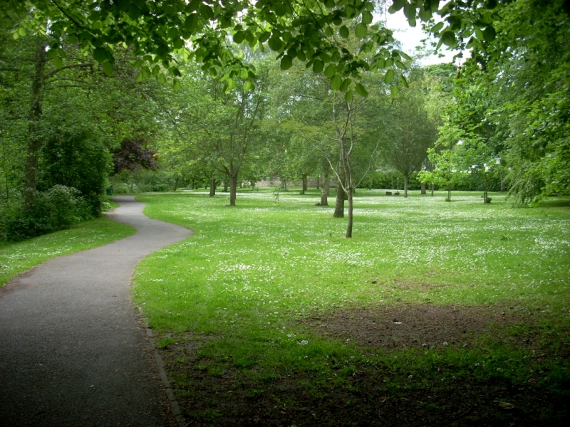 Lade Braes looking towards Law Mill
